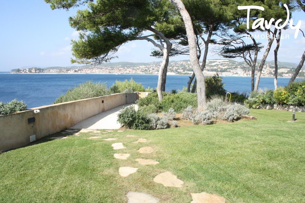 Pieds dans l'eau, accès mer, ponton et piscine - 83110 Sanary sur Mer - Sanary-sur-Mer