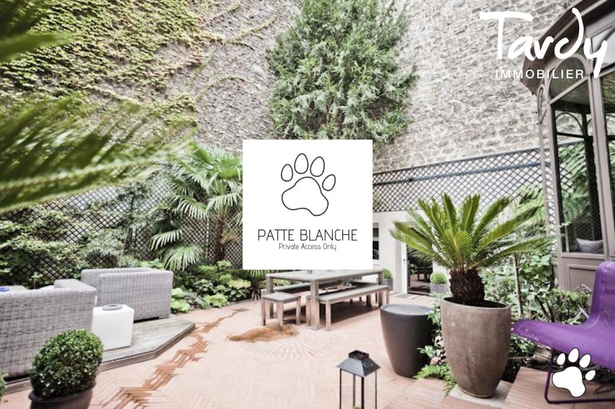 HOTEL PARTICULIER un bien PATTE BLANCHE 1ère Marque OFF MARKET en Immobilier  - Paris 16ème - PATTE BLANCHE - Paris 16è Hotel Particulier avec Jardin - TARDY IMMOBILIER