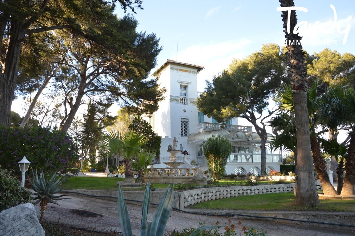 PROPRIETE PIEDS DANS L'EAU - BELLE EPOQUE - La Seyne-sur-Mer