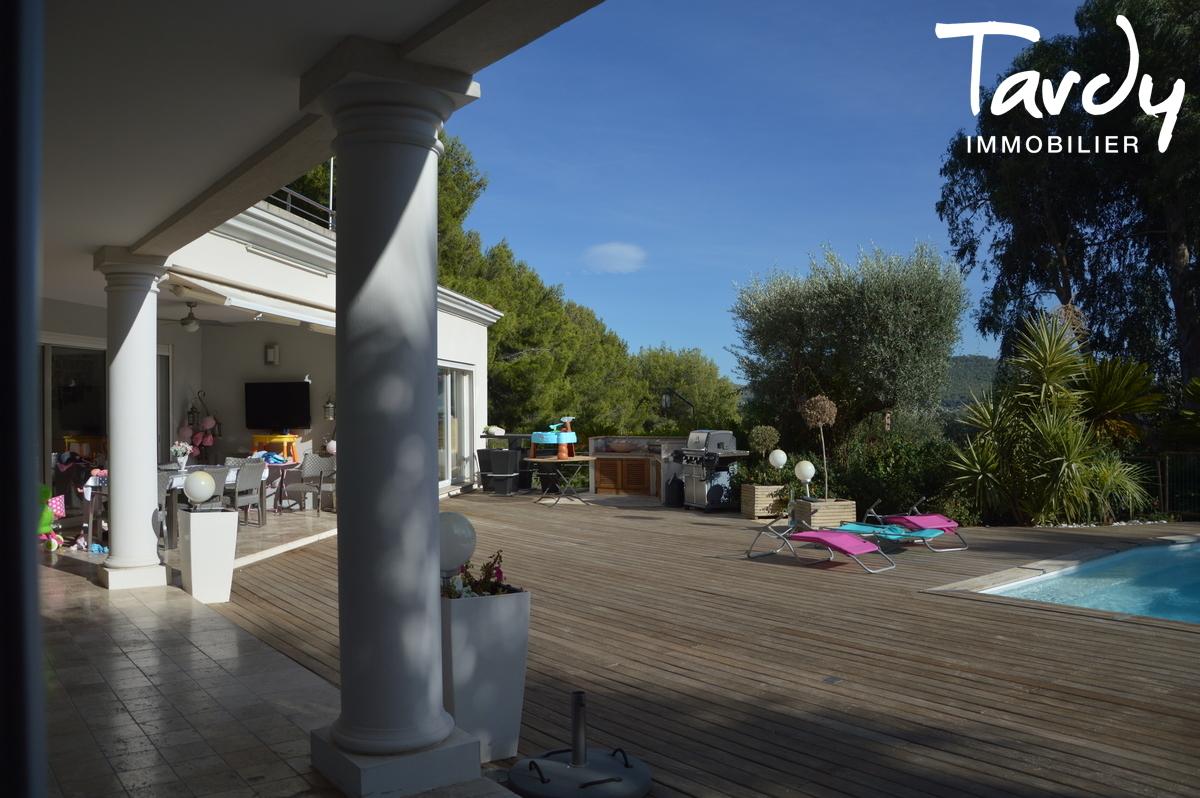 Villa beaux volumes, proche plage - Les Lecques 83270 Saint Cyr sur Mer - Saint-Cyr-sur-Mer