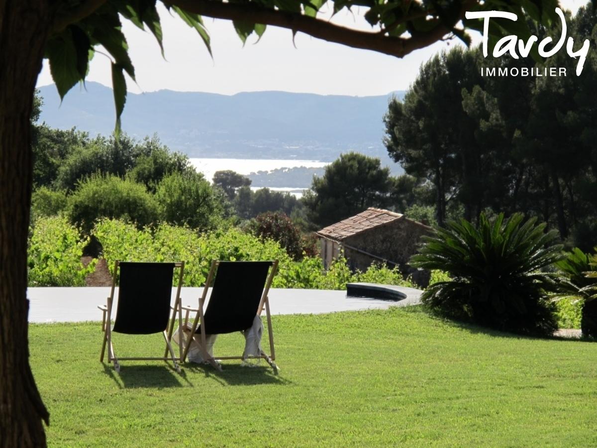Belle provençale, paradis du collectionneur auto - Ste Côme 83740 La Cadière d'Azur - La Cadière-d'Azur - Propriété La Cadière d'Azur