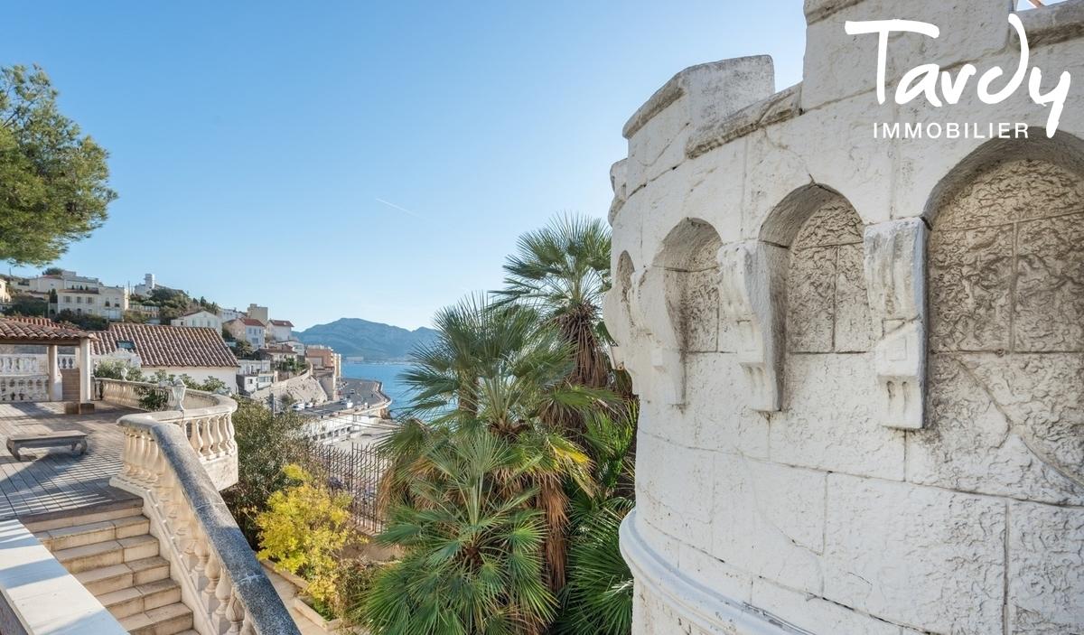 HOTEL PARTICULIER EN FRONT DE MER CORNICHE KENNEDY - Marseille 7ème