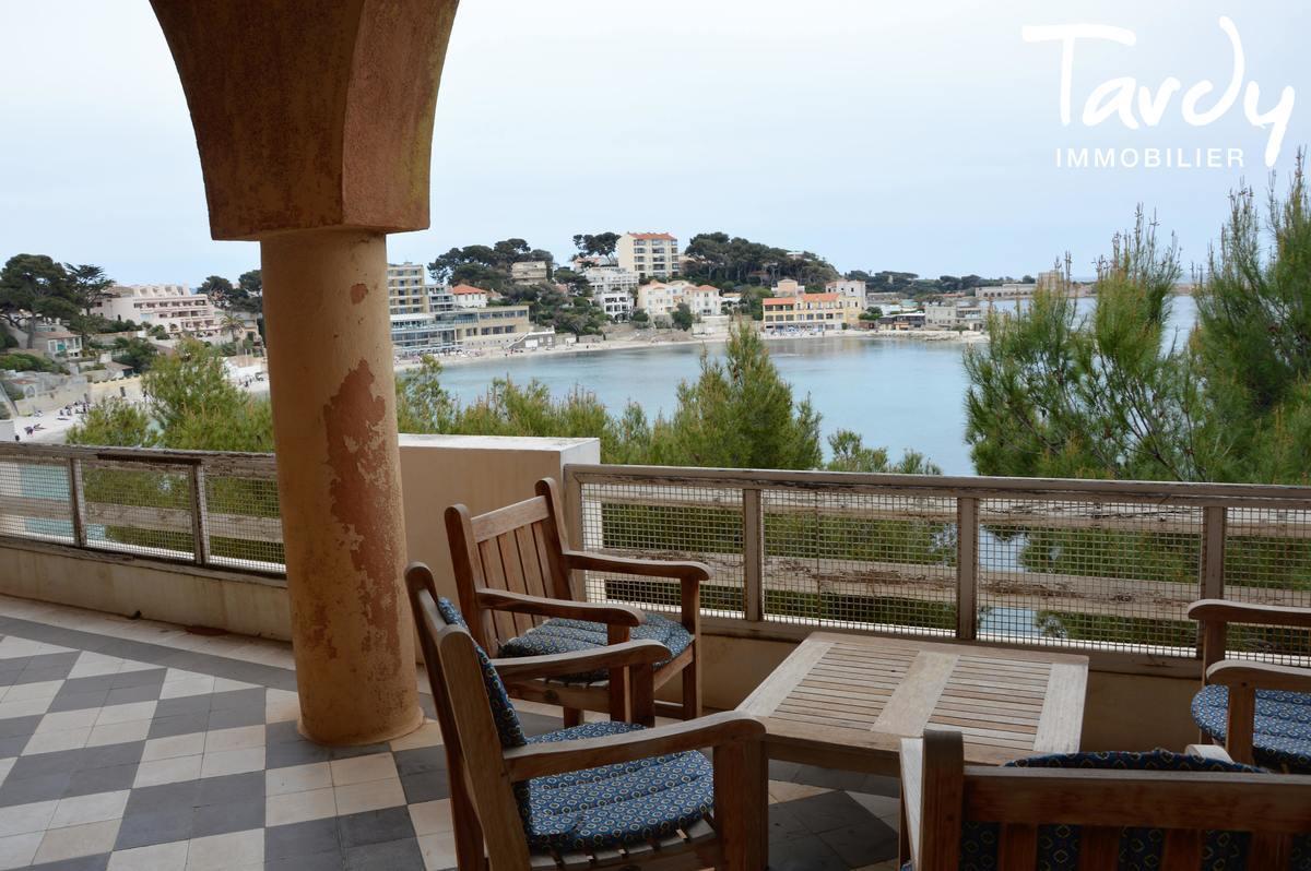 Villa pieds dans l'eau au dessus de la plage - Renecros 83150 Bandol - Bandol