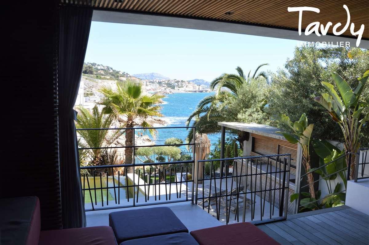 Pieds dans l'eau contemporain - Malmousque 13007 Marseille - Marseille 7ème - MALMOUSQUE VILLA VUE MER