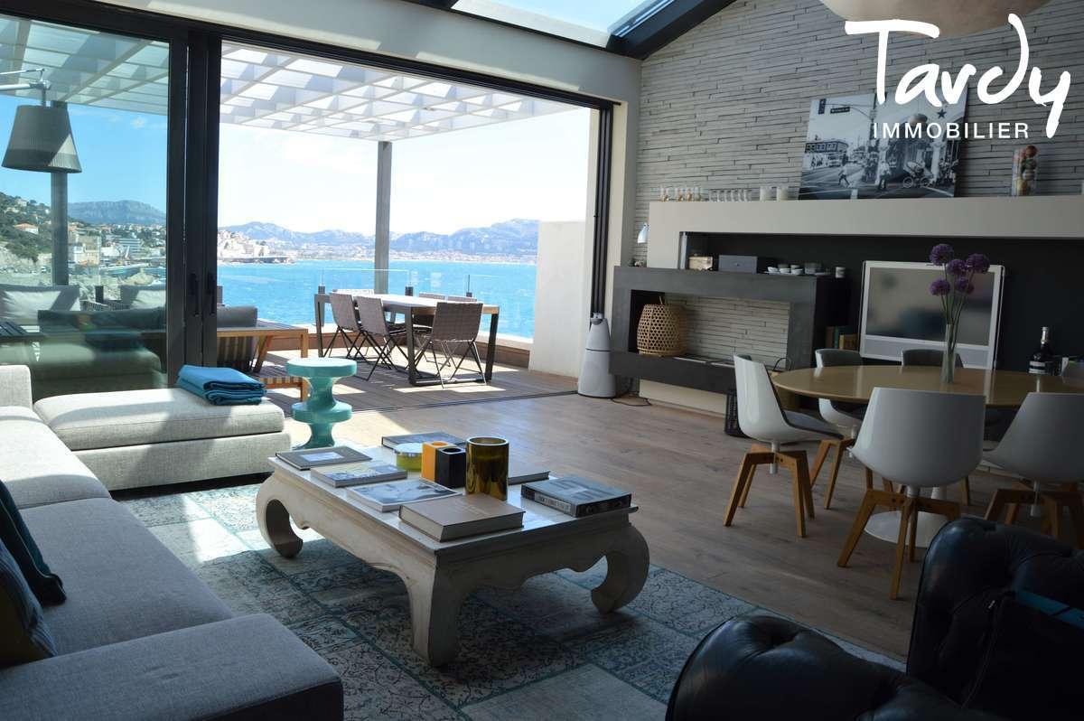 Pieds dans l'eau contemporain - Malmousque 13007 Marseille - Marseille 7ème - Malmousque villa contemporaine pieds dans l'eau