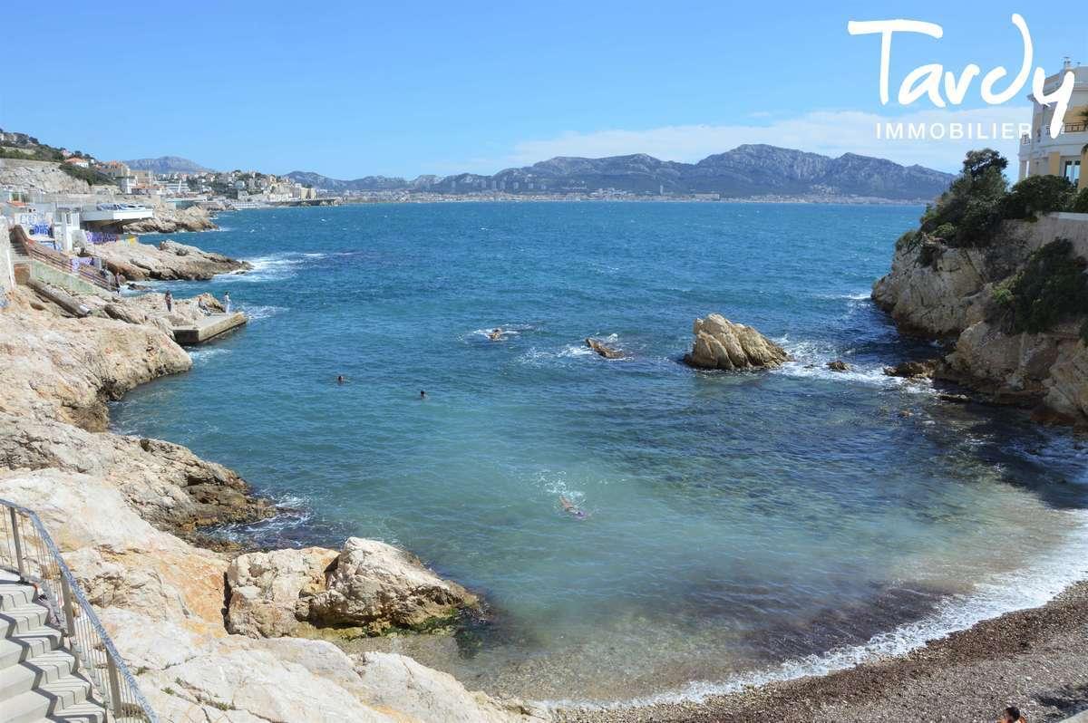 Pieds dans l'eau contemporain - Malmousque 13007 Marseille - Marseille 7ème - Pieds dans l'eau Marseille 7ème