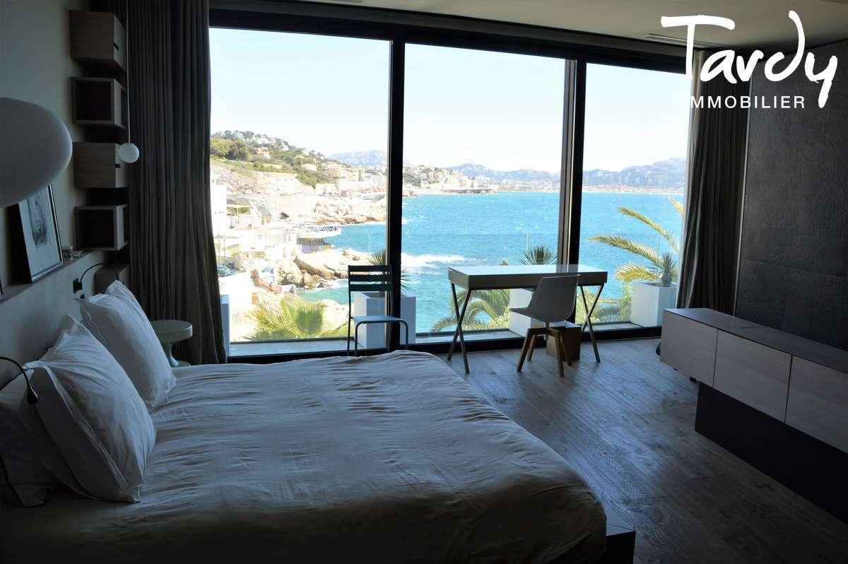 Pieds dans l'eau contemporain - Malmousque 13007 Marseille - Marseille 7ème - Villa TOGU Malmousque Pieds dans l'eau
