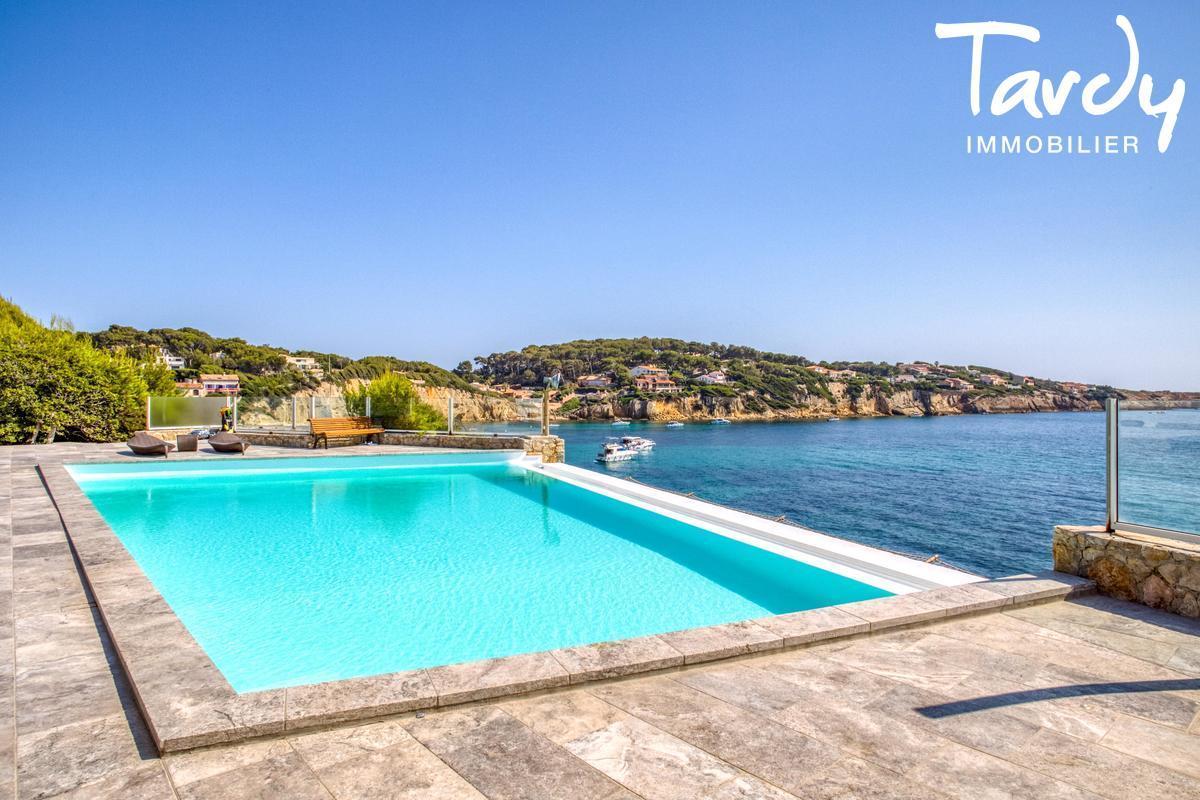 Villa pieds dans l'eau - Vue et accès à la mer -  Sanary sur Mer - Sanary-sur-Mer