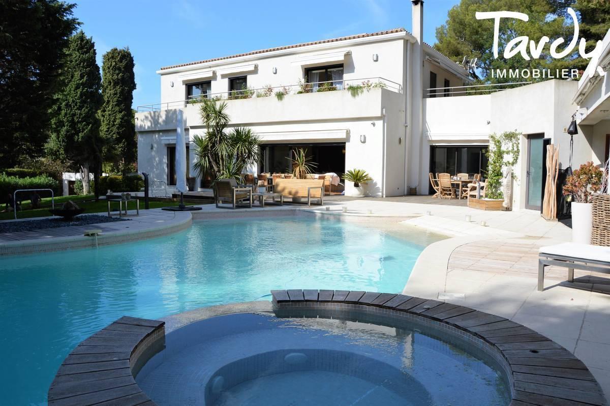 Villa dans domaine fermé, proche mer - carré d'or 13008 Marseille - Marseille 8ème