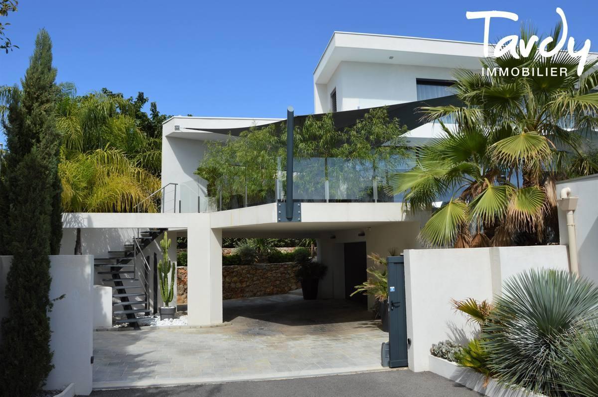 CONTEMPORAINE VUE MER a 10 MIN. à pieds DU PORT ET DES PLAGES - Bandol - Villa moderne à Bandol