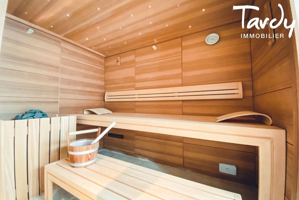 Villa d'architecte, vue mer et plage à pieds - La Capte 83400 HYÈRES - Hyères - Sauna privé
