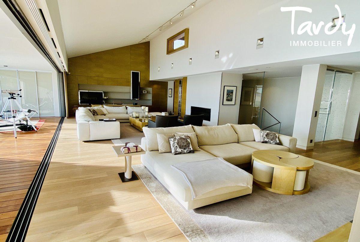 Villa d'architecte, vue mer et plage à pieds - La Capte 83400 HYÈRES - Hyères - Vue mer