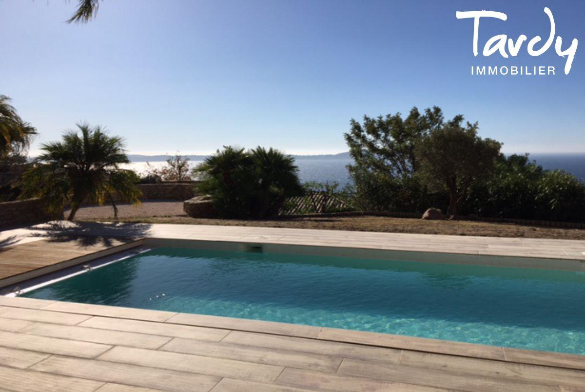 Villa d'architecte, domaine privé vue mer - Le Mont des oiseaux 83320 Carqueiranne - Carqueiranne