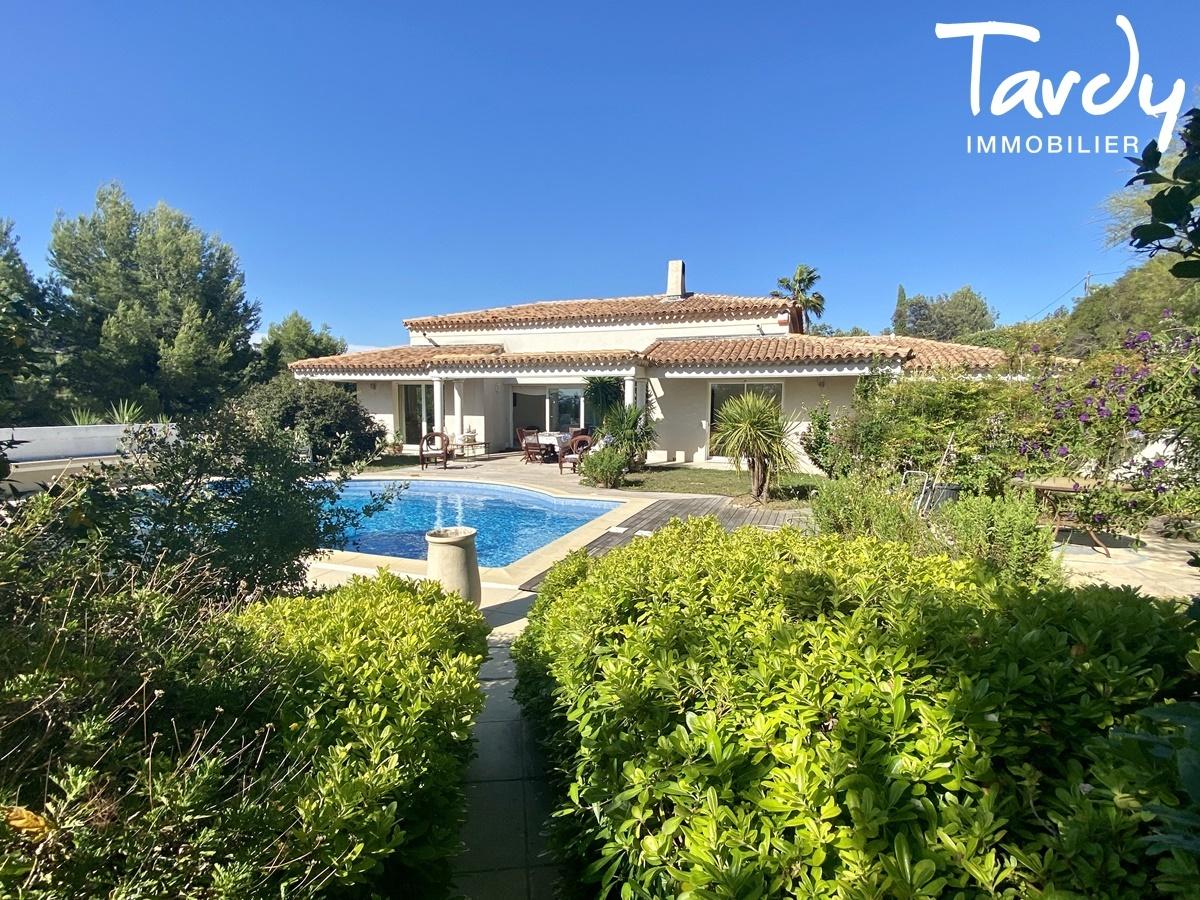 Villa plain pied, vue dégagée - Proche Golf Frégate 83740 La Cadière d'Azur - La Cadière-d'Azur - PATTE BLANCHE TARDY IMMOBILIER