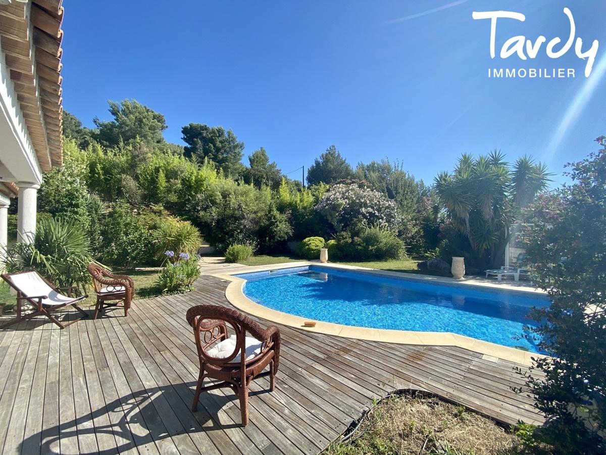 Villa de plain-pied proche Golf de La Frégate à La Cadière d'Azur. - La Cadière-d'Azur - PATTE BLANCHE 1ERE MARQUE OFF-MARKET EN IMMOBILIER
