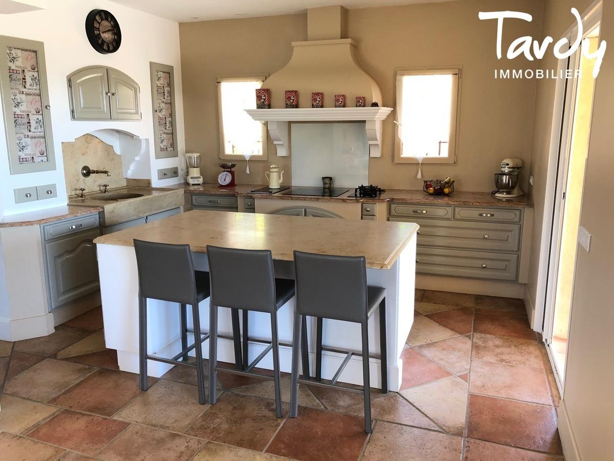 Villa vue dégagée vignes et village - Les Luquettes 83740 La Cadière d'Azur - La Cadière-d'Azur - BELLE VILLA