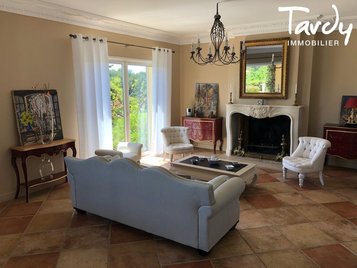 Villa vue dégagée vignes et village - Les Luquettes 83740 La Cadière d'Azur - La Cadière-d'Azur - VILLA PRESTIGE