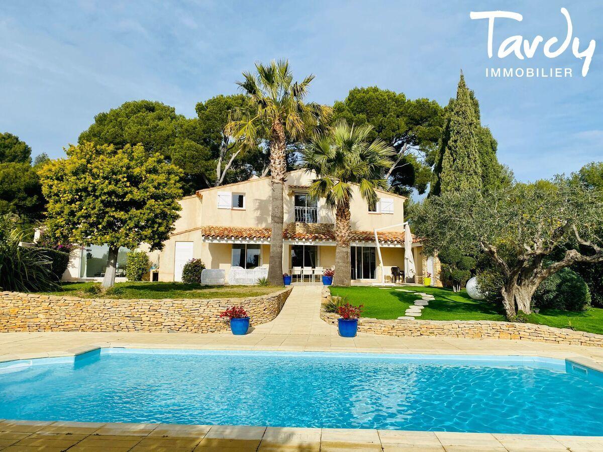 Villa de charme les hauts de Bandol - Bandol - PATTE BLANCHE 1ère Marque Off Market en immobilier