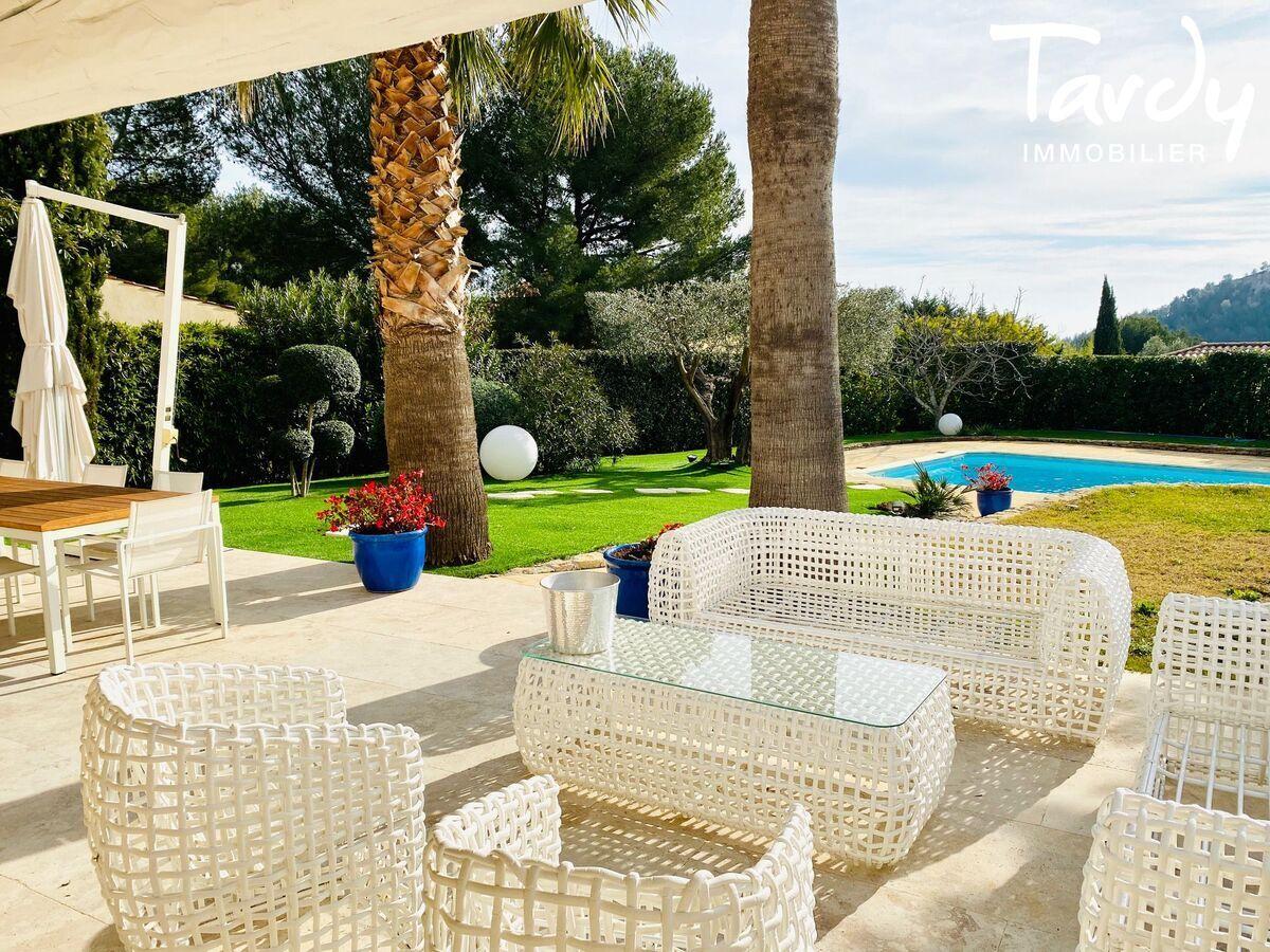 Villa chic charme les hauts de Bandol - Bandol - Villa Bandol contemporaine chic Tardy Immobilier
