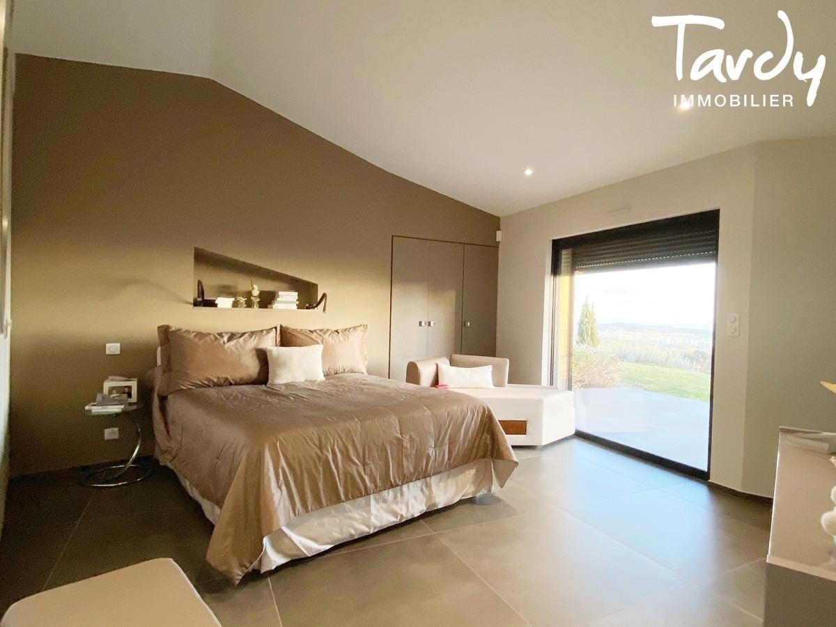 Villa d'architecte, vue mer panoramique - Le Lançon 83190 Ollioules - Ollioules - GRANDES PRESTATIONS