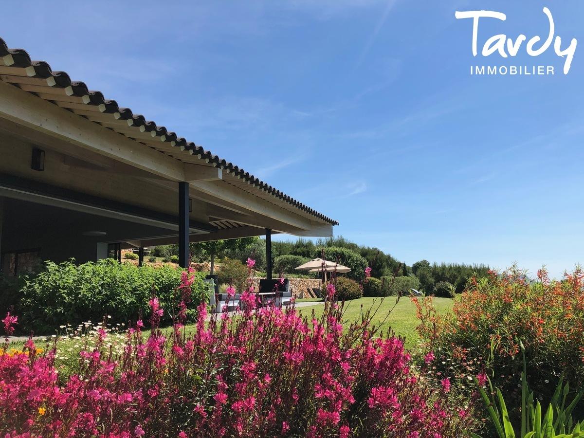Villa d'architecte, vue mer panoramique - Le Lançon 83190 Ollioules - Ollioules - PATTE BLANCHE 1ERE MARQUE OFF-MARKET EN IMMOBILIER