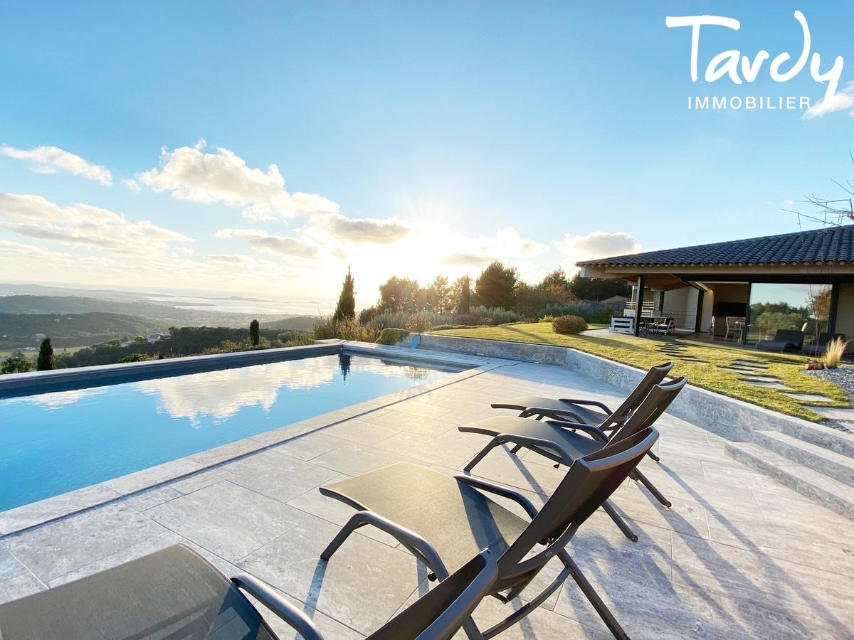 Villa d'architecte, vue mer panoramique - Le Lançon 83190 Ollioules - Ollioules - VILLA CONTEMPORAINE