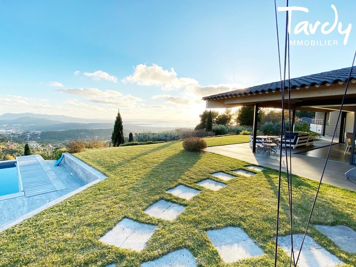 Villa d'architecte, vue mer panoramique - Le Lançon 83190 Ollioules - Ollioules - TARDY IMMOBILIER