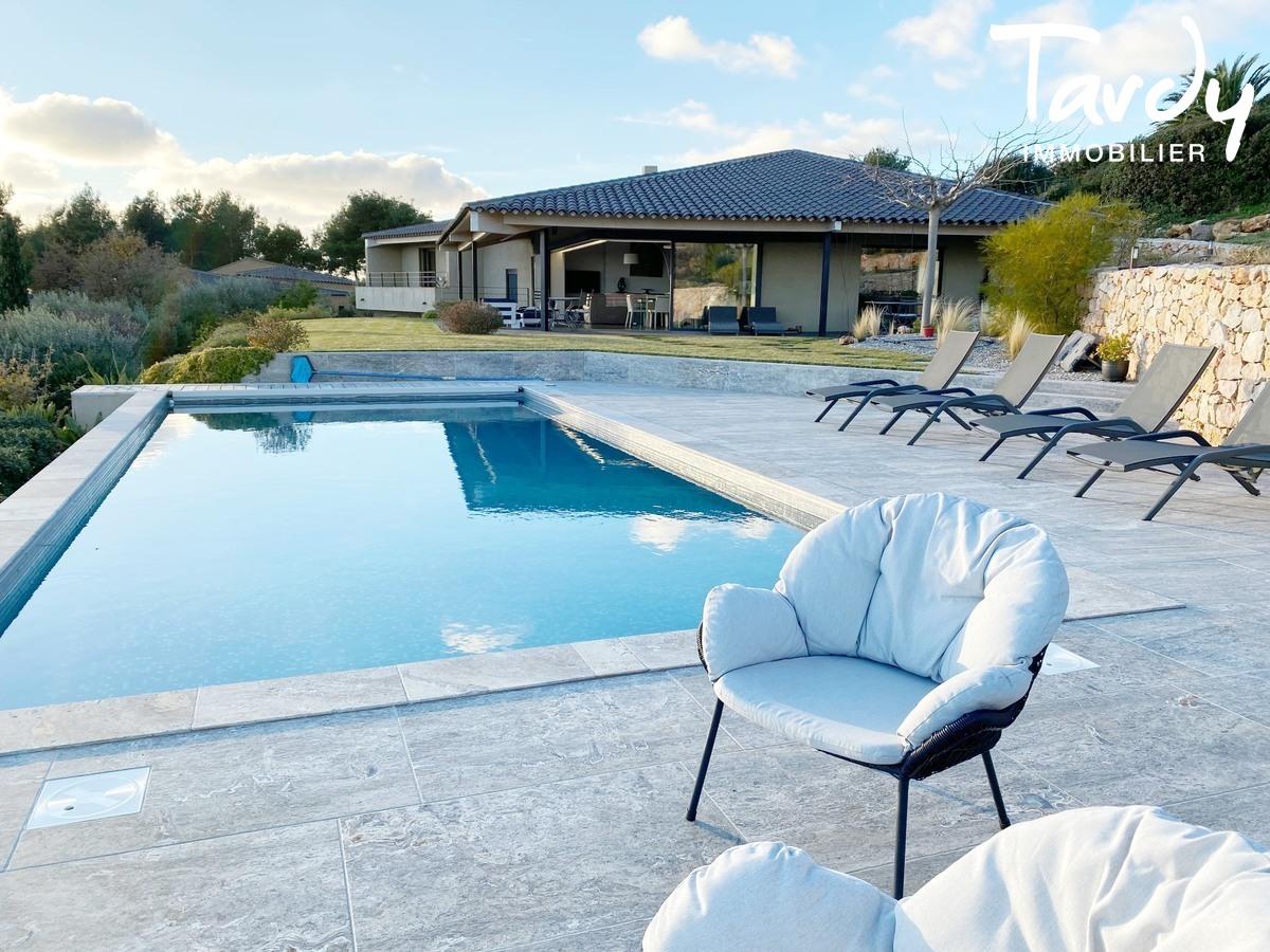 Villa d'architecte, vue mer panoramique - Le Lançon 83190 Ollioules - Ollioules - PROPRIETE DE PRESTIGE