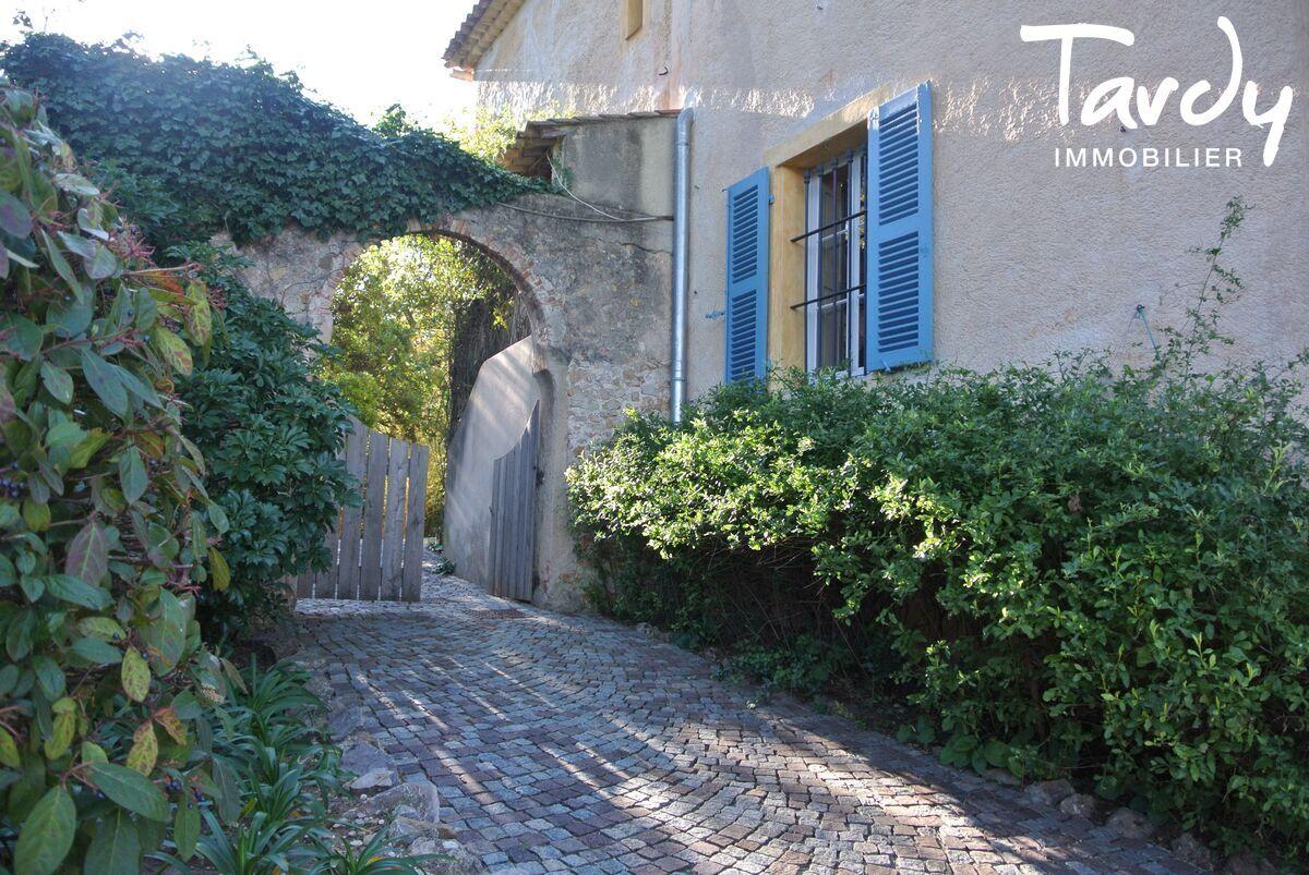 Bastide historique, calme et campagne  - Almanarre 83400 Hyères - Hyères - Mas