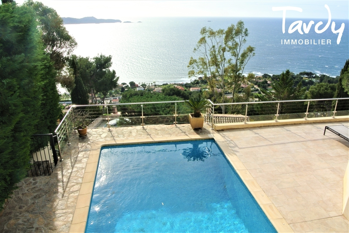 Villa provençale, domaine privé vue mer - Le Mont des Oiseaux 83320 Carqueiranne - Carqueiranne - Vue mer