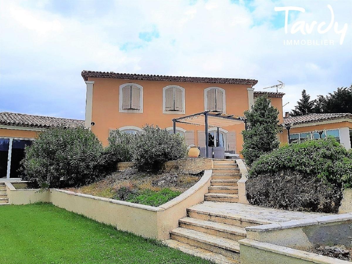 Proche Aix en Provence belle bastide avec vue - Aix-en-Provence
