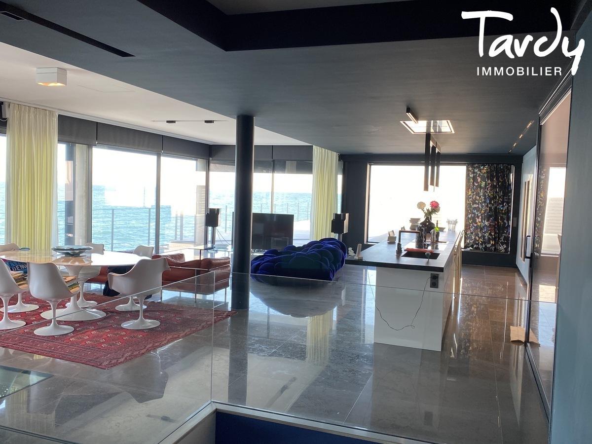 Villa d'architecte vue mer et pieds dans l'eau - 13008 Marseille - Marseille 8ème