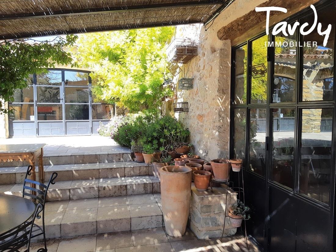 Mas en pierre en Provence Verte - dépendances et gîtes - Proche 83570 Cotignac - Cotignac