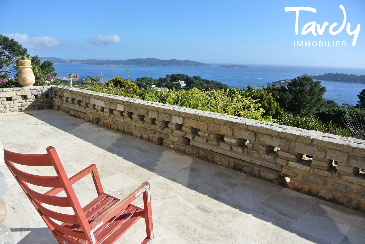 Villa position dominante, vue mer à 180° - La Polynésie 83400 Hyères  - Hyères - Vue mer Porquerolles