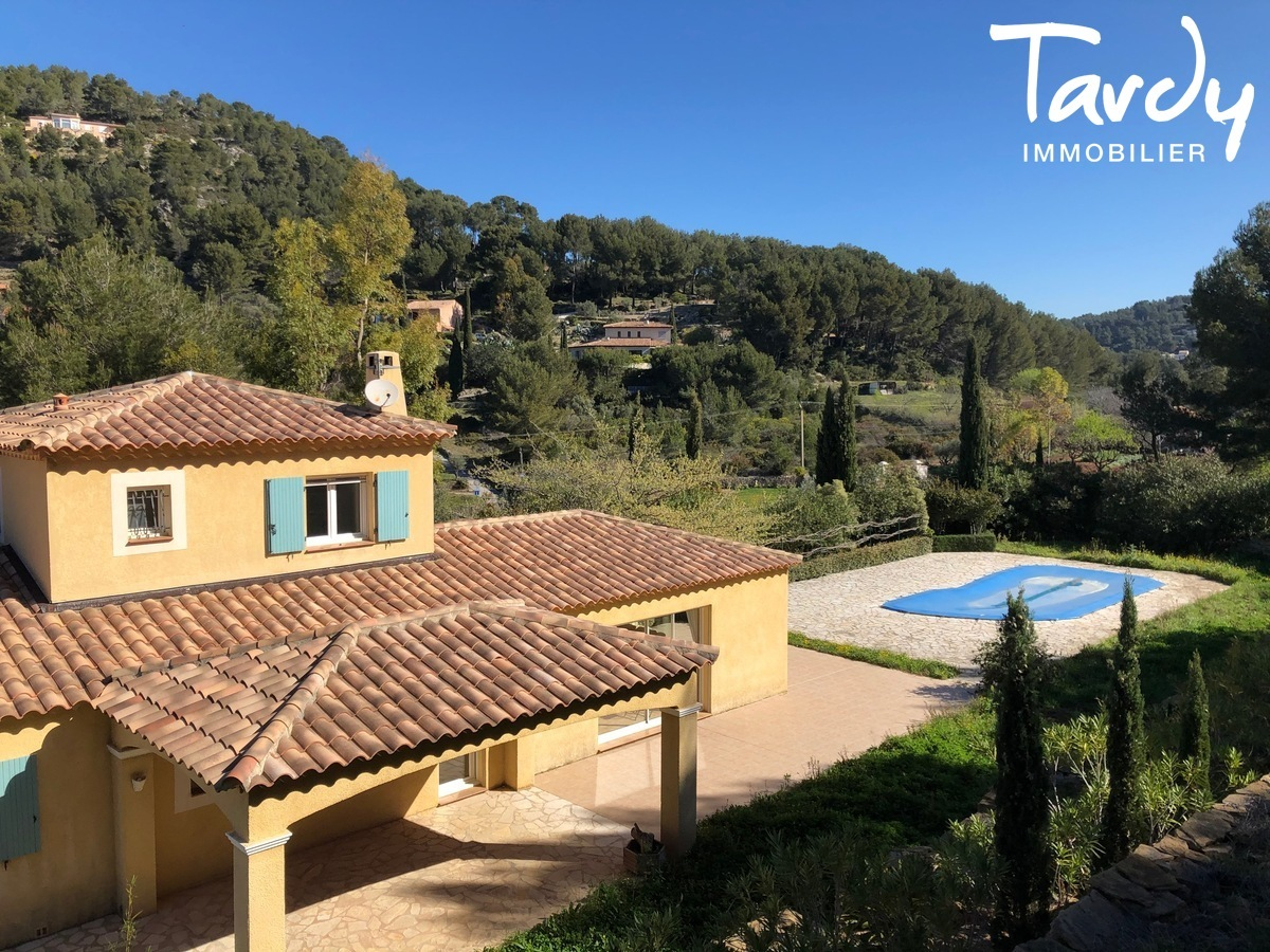 Villa familiale, proche Golf de La Frégate - 83740 La Cadière d'Azur - La Cadière-d'Azur - VUE DEGAGEE COLLINES