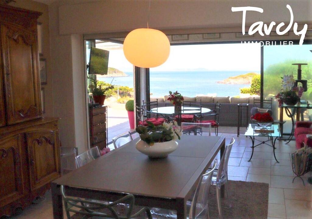 Grande villa, pieds dans l'eau domaine privé - La Madrague 83400 Hyères - Hyères