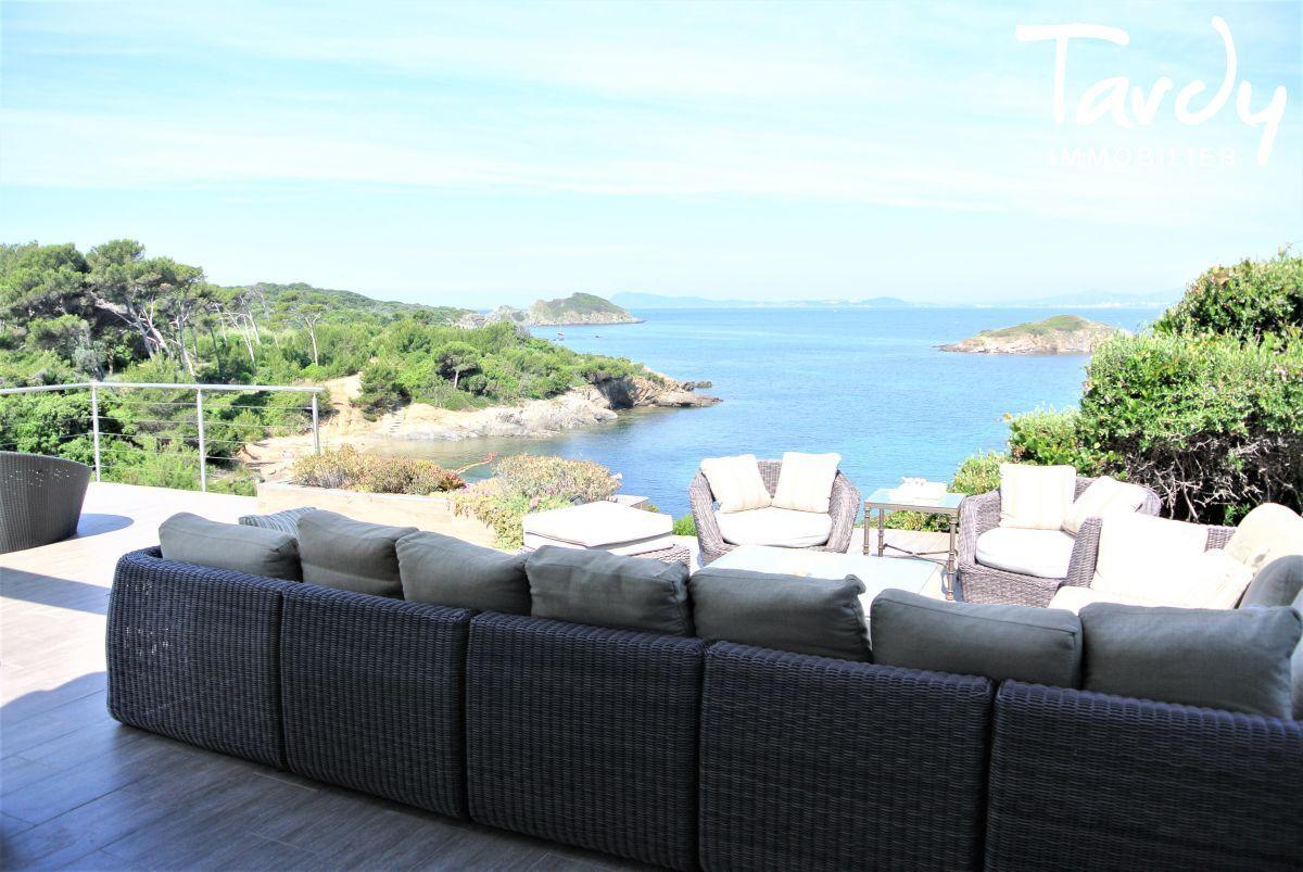 Grande villa, pieds dans l'eau domaine privé - La Madrague 83400 Hyères - Hyères - Hyères Giens