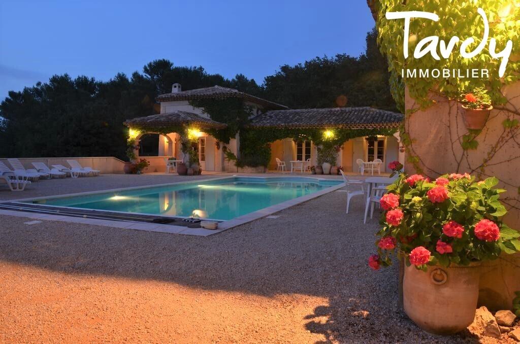 Maison de charme avec dépendances et vue Sainte Victoire - Proche 13100 Aix en Provence - Aix-en-Provence