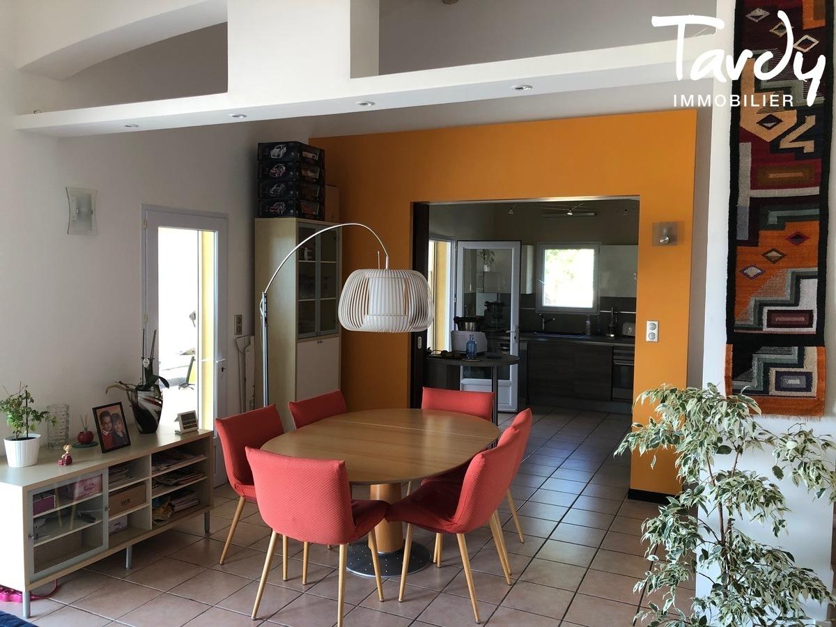 Propriété familiale, possibilité 2 villas - Les Lauves 83740 La Cadière d'Azur - La Cadière-d'Azur - PATTE BLANCHE 1ère MARQUE OFF MARKET EN IMMOBILIER