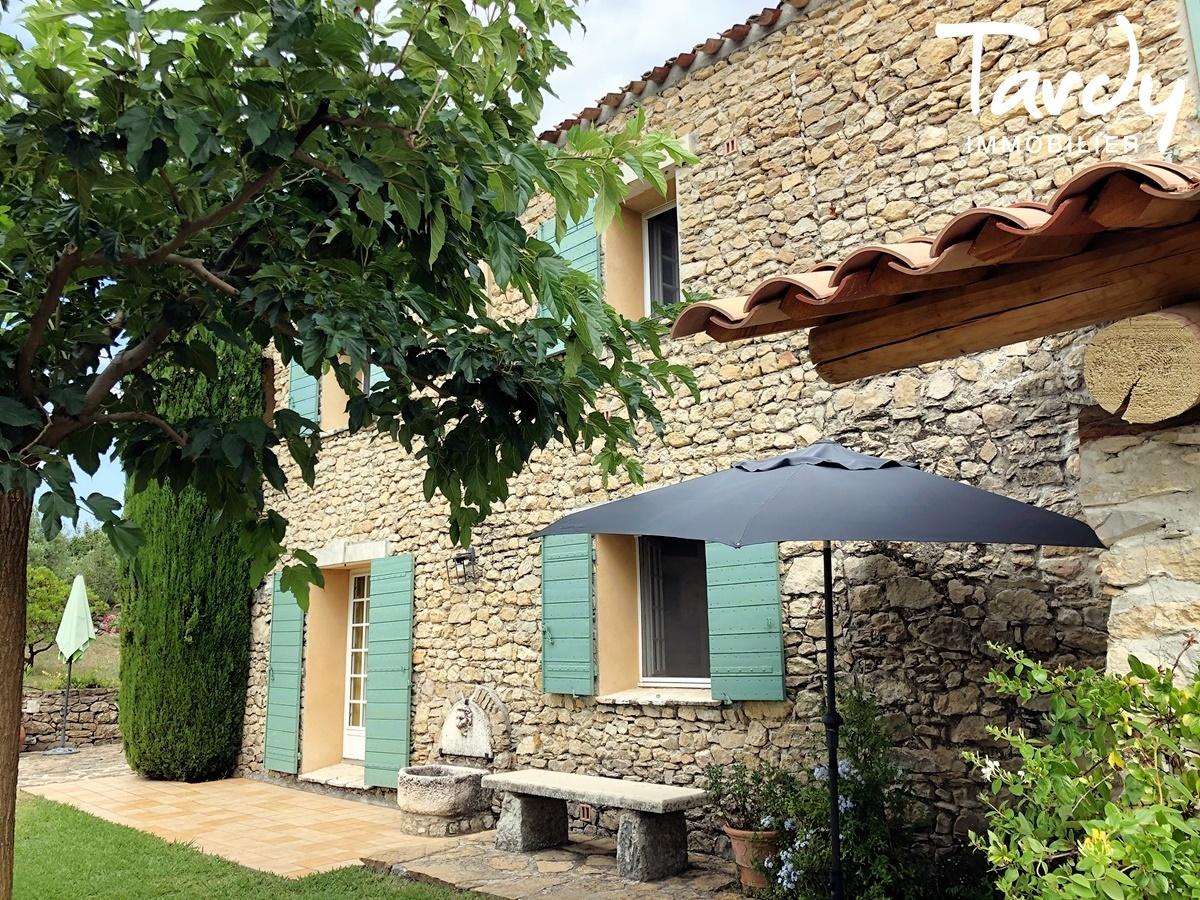 Mas Provençal de caractère entre vignes et collines - 83330 Le Castellet - Le Castellet - PATTE BLANCHE