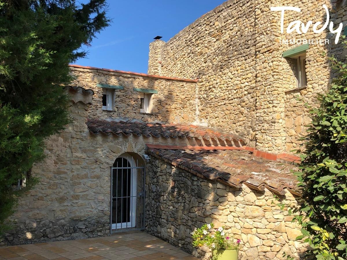 Mas Provençal de caractère entre vignes et collines - 83330 Le Castellet - Le Castellet - NOUVEAUTE TARDY IMMOBILIER