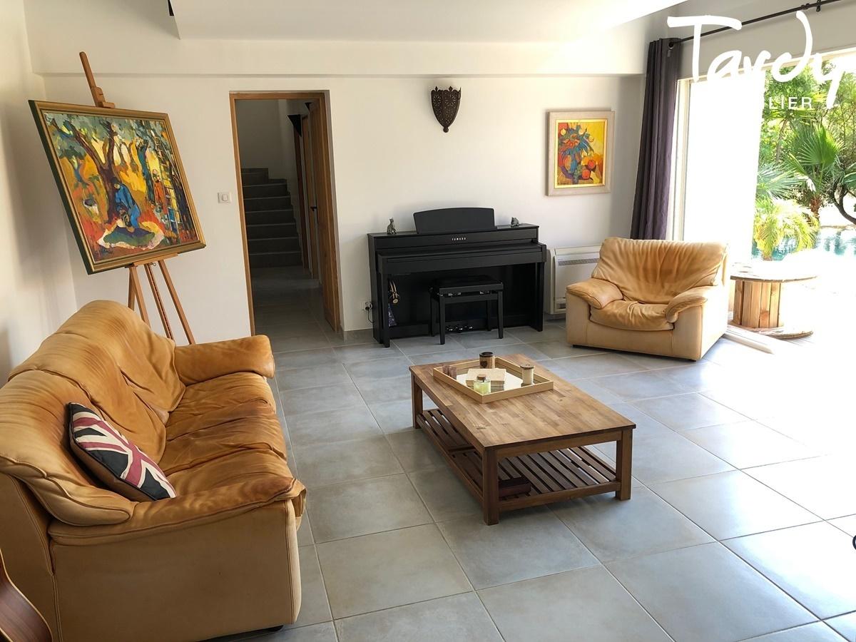 Villa contemporaine à 3 min. à pieds de la plage d'Arène Cros à La Ciotat - La Ciotat - VUE MER