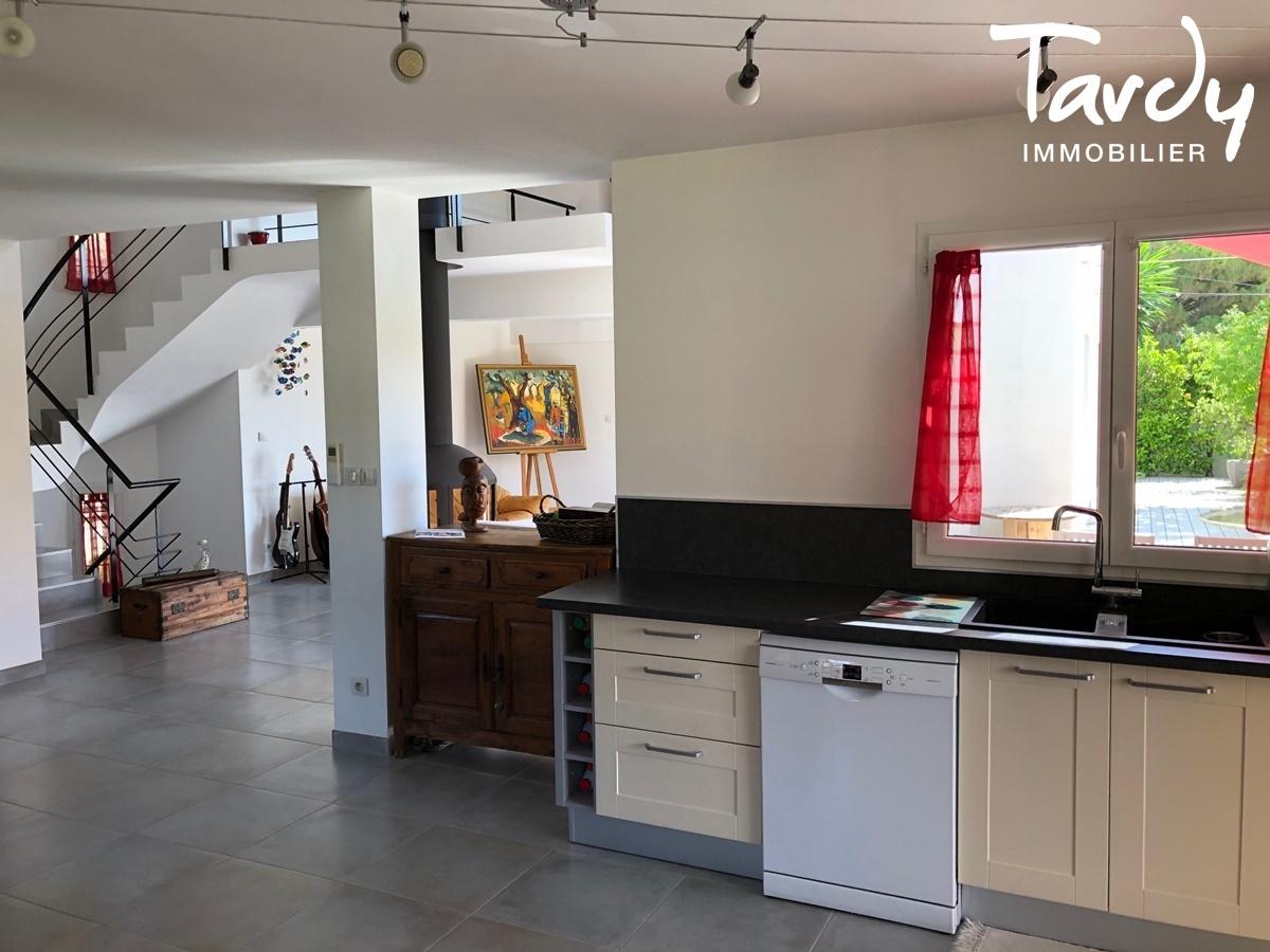 Villa contemporaine à 3 min. à pieds de la plage d'Arène Cros à La Ciotat - La Ciotat - PATTE BLANCHE 1ère OFF MARKET EN IMMOBILIER