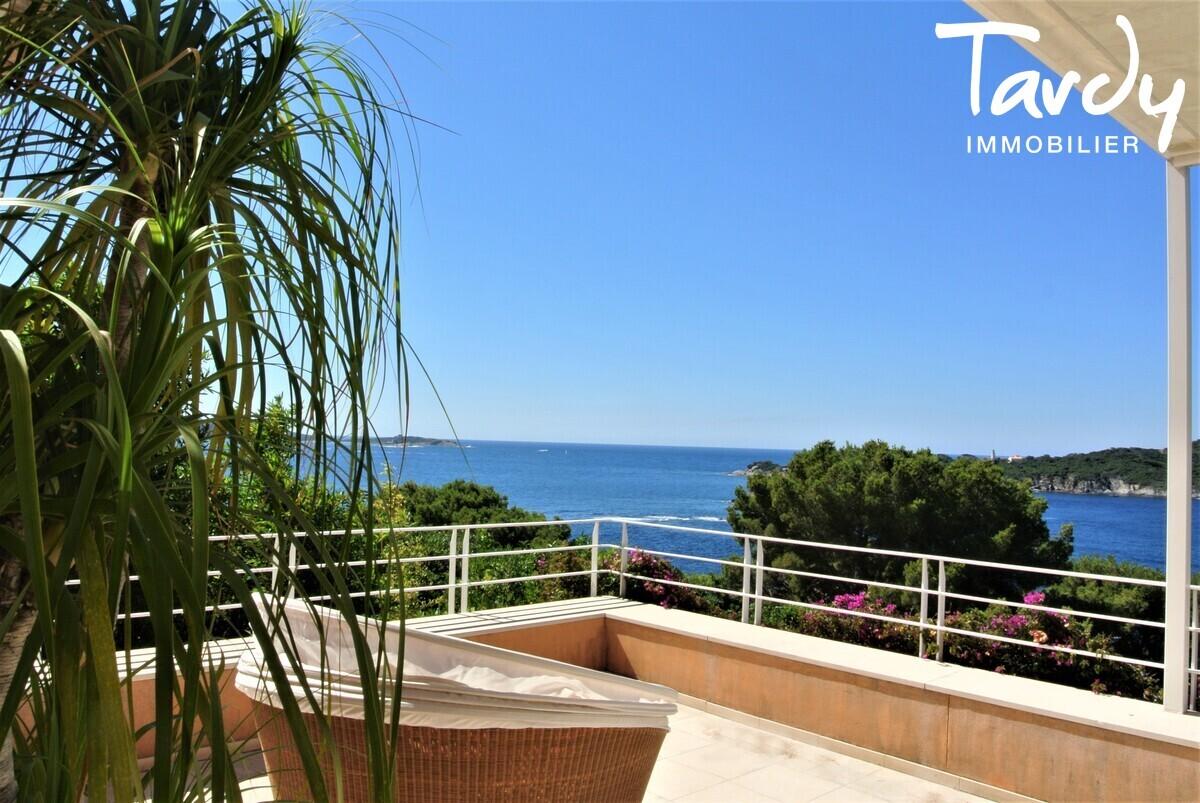 Villa d'architecte, vue mer et  accès mer - La Polynésie 83400 Hyères  - Hyères