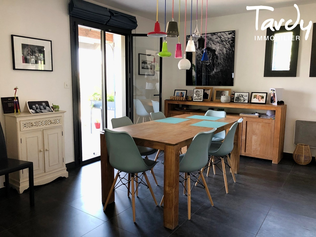 Maison familiale, aperçu mer - Groupède 13600 La Ciotat - La Ciotat - NOUVEAUTE TARDY IMMOBILIER
