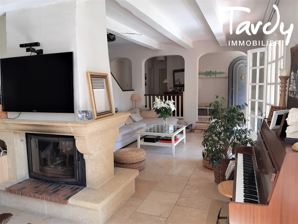 Jolie maison avec piscine proche Aix en Provence - Aix-en-Provence
