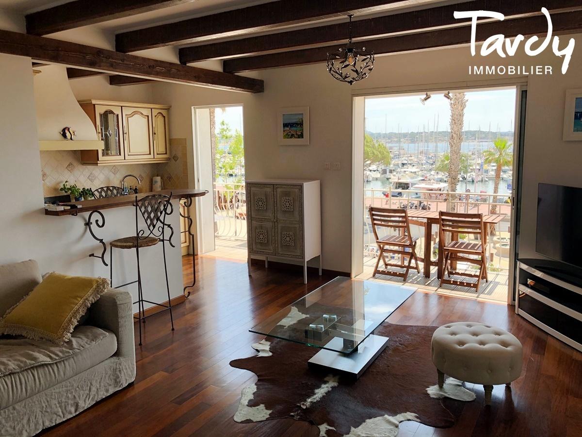 Appartement 3 pièces, vue mer, tout à pieds - Le Port 83150 Bandol - Bandol - TARDY IMMOBILIER