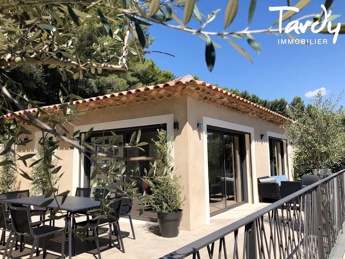 Villa contemporaine, vue dégagée campagne - 83740 La Cadière d'Azur - La Cadière-d'Azur - CADRE CAMPAGNE