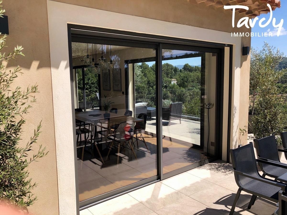 Villa contemporaine, vue dégagée campagne - 83740 La Cadière d'Azur - La Cadière-d'Azur