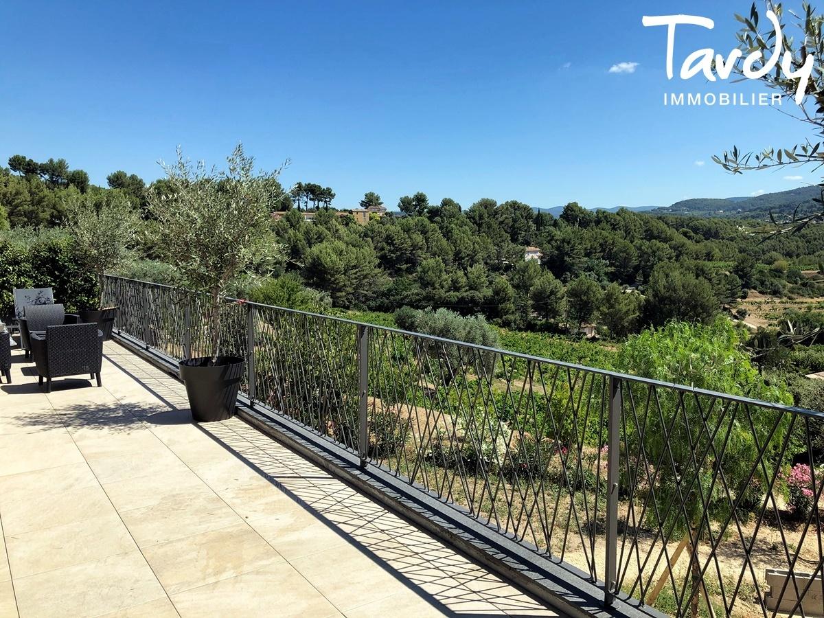 Villa contemporaine, vue dégagée vignes et collines - 83150 Bandol - Bandol